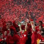 Liverpool viert feest na de gewonnen Champions League finale van 2005